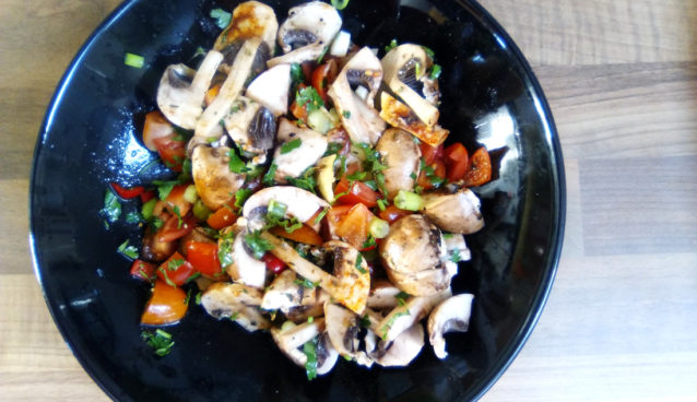 Mushroom tomato salad